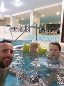 V hotelu imajo tudi Center dobrega počutja z bazenom in jacuzzijem